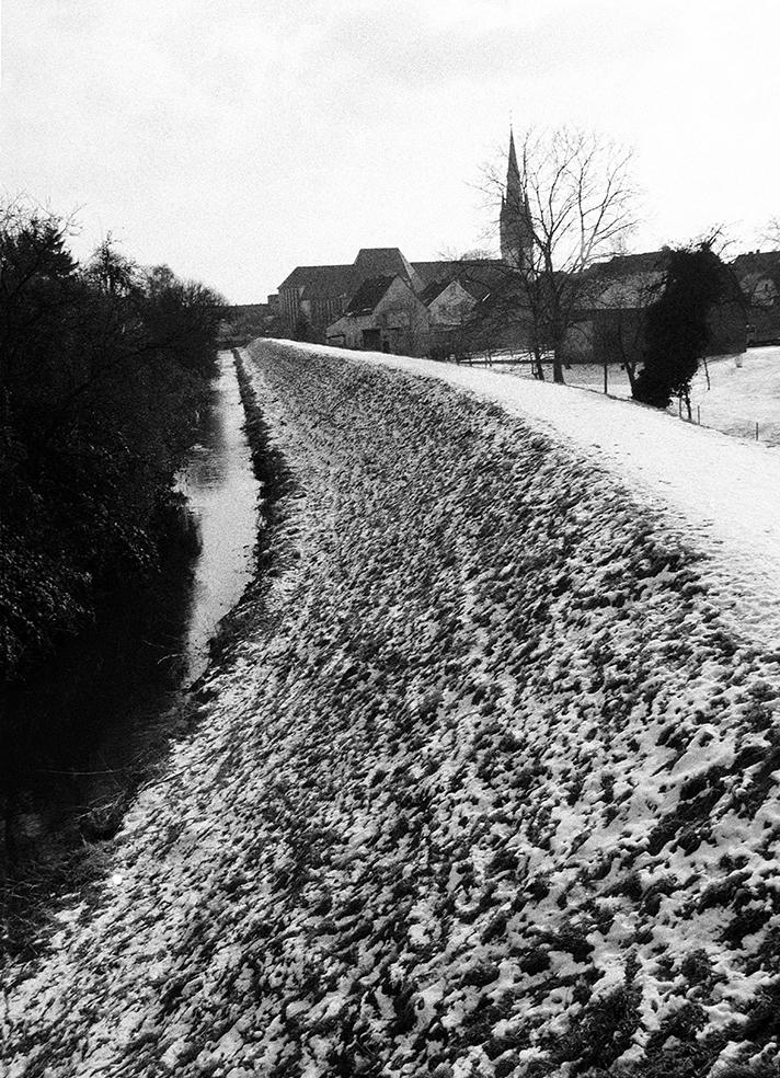 Winterstille auf dem Damm